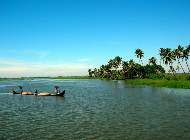top-17-best-tourist-places-to-visit-in-kerala-with-photos-1 Top 17 Best Tourist Places to Visit in Kerala (with Photos)