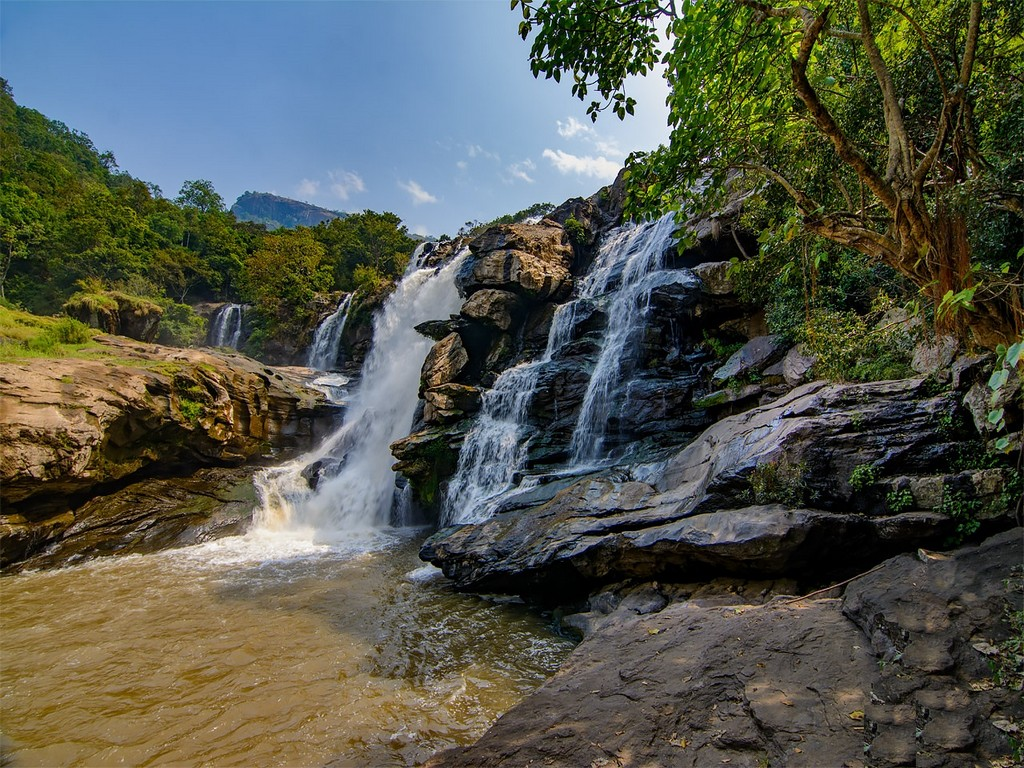 12-most-beautiful-waterfalls-in-kerala-worthy-of-your-bucket-list-3 12 Most Beautiful Waterfalls In Kerala Worthy Of Your Bucket List