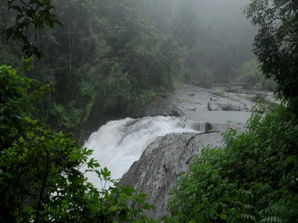 chethalayam-waterfalls