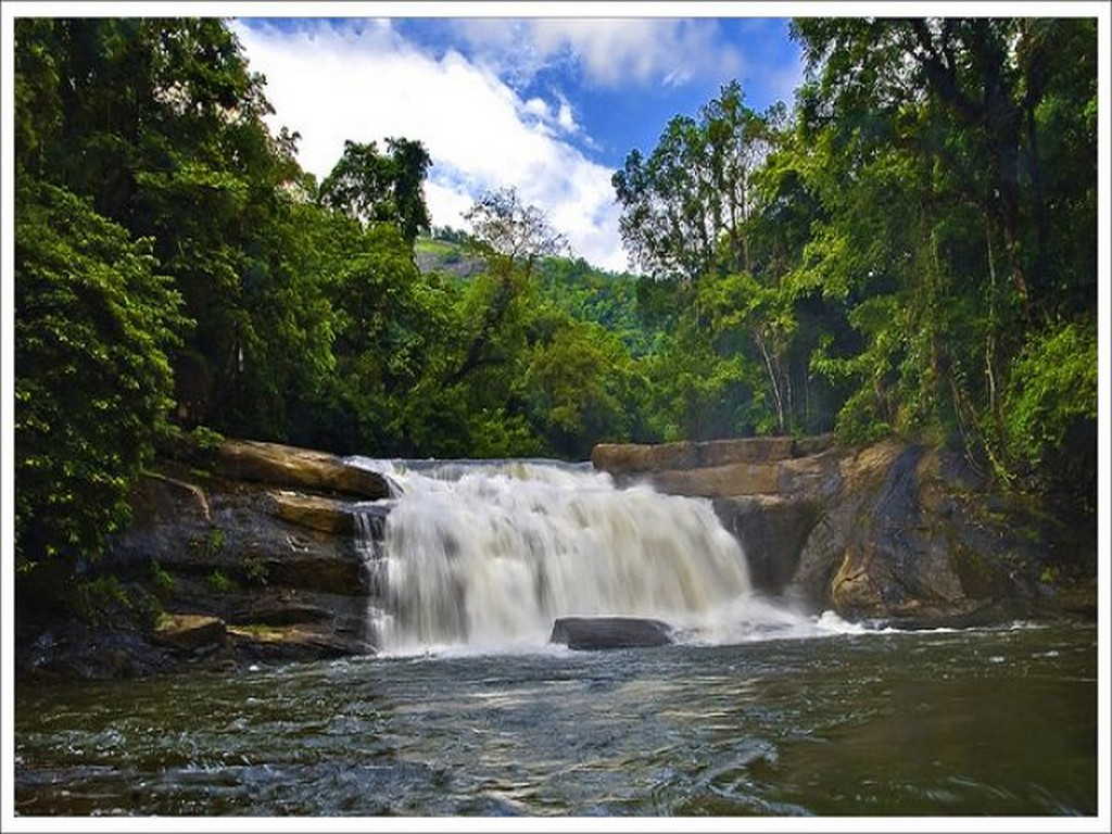 12-most-beautiful-waterfalls-in-kerala-worthy-of-your-bucket-list-9 12 Most Beautiful Waterfalls In Kerala Worthy Of Your Bucket List