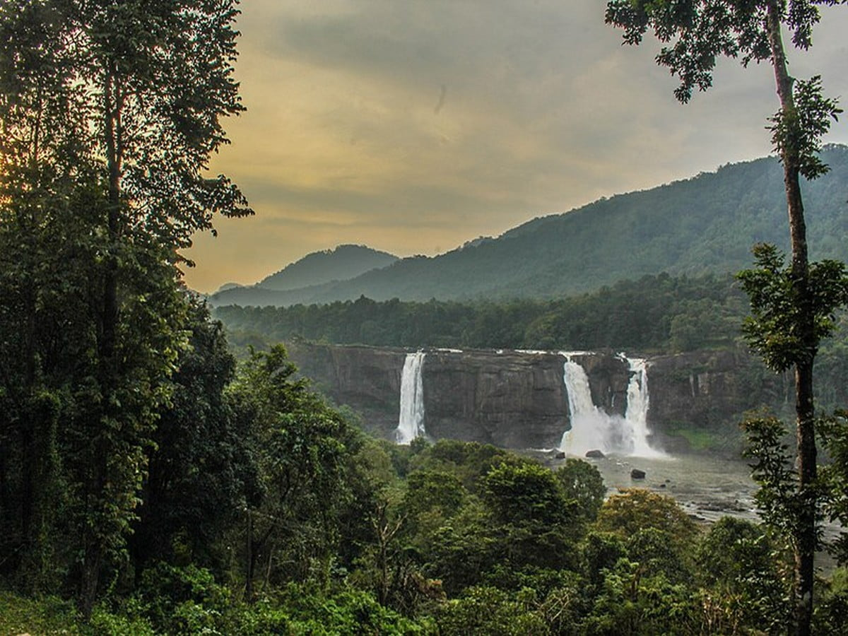 athirappilly-falls-photos-timings-entry-feeimages-routes Athirappilly Falls- Photos, Timings, Entry Fee,Images, Routes