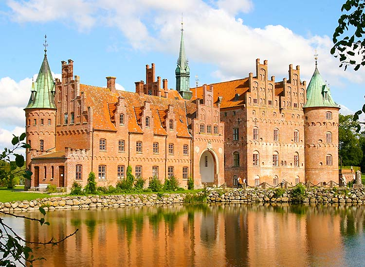 get-ready-to-be-charmed-by-the-beautiful-castles-in-denmark-4 Get Ready to be Charmed by the Beautiful Castles in Denmark