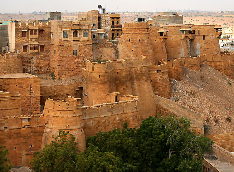places-to-visit-in-jaisalmer-that-must-be-on-the-bucket-list-of-every-traveler Places to Visit In Jaisalmer That Must Be On the Bucket List of Every Traveler