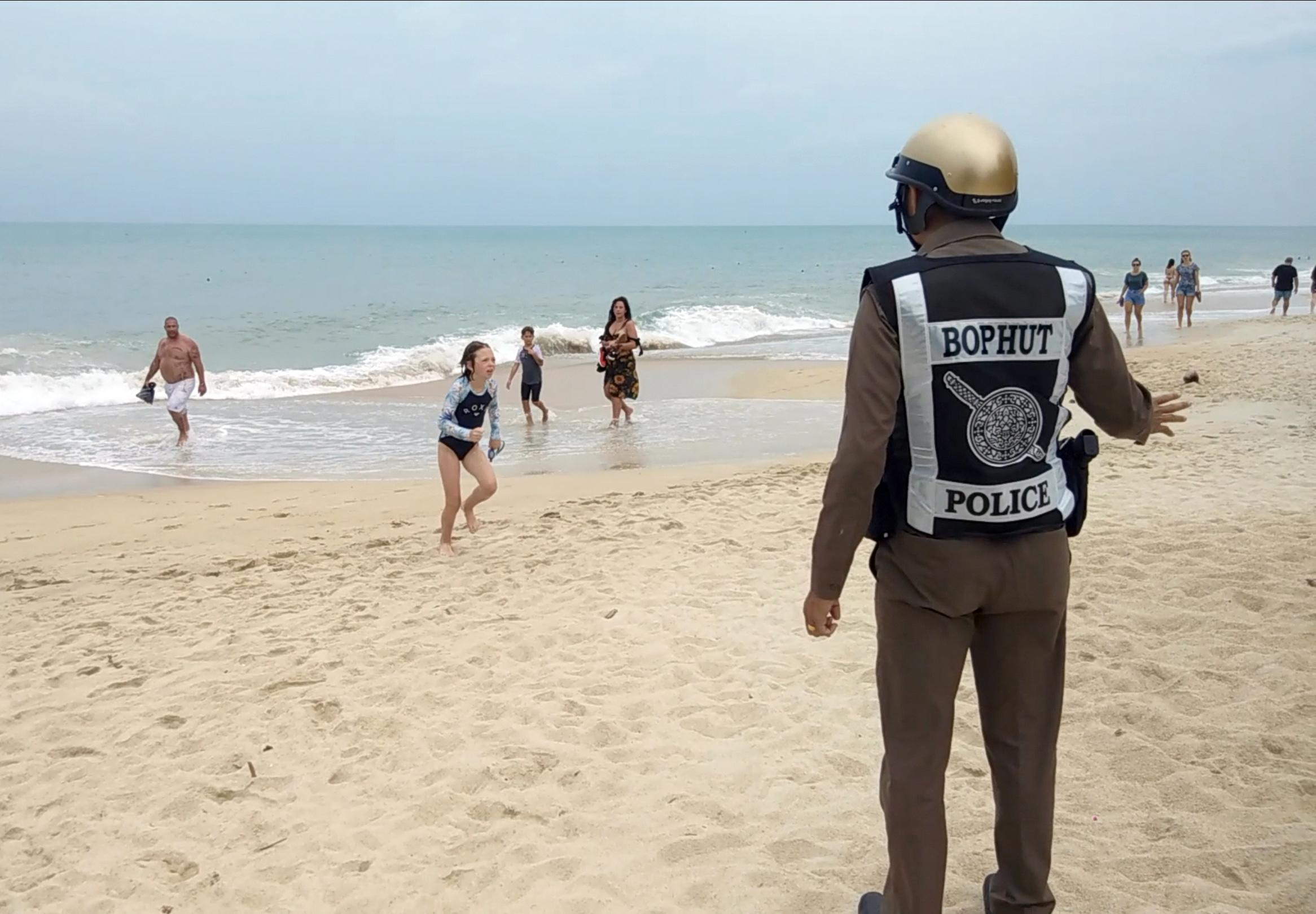 storm-pabuk-tourists-flee-thailand-as-tropical-storm-threatens-22-foot-waves-the-independent Storm Pabuk: Tourists flee Thailand as tropical storm 'threatens 22-foot waves' - The Independent