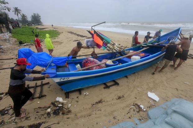 thai-beach-resorts-braced-for-tropical-storm-independent-ie-2 Thai beach resorts braced for tropical storm - Independent.ie