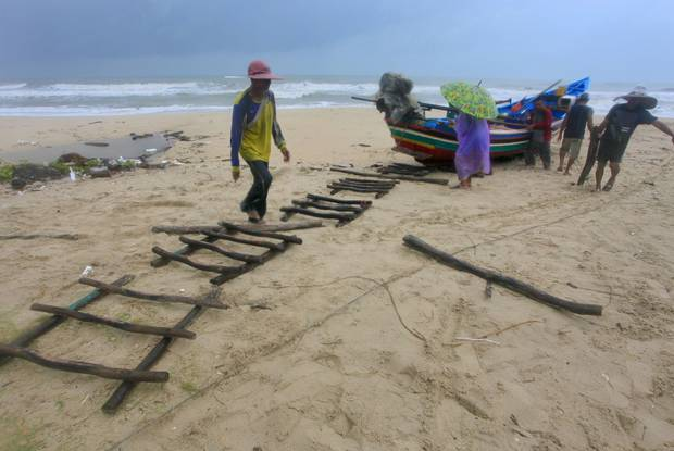 thai-beach-resorts-braced-for-tropical-storm-independent-ie-4 Thai beach resorts braced for tropical storm - Independent.ie