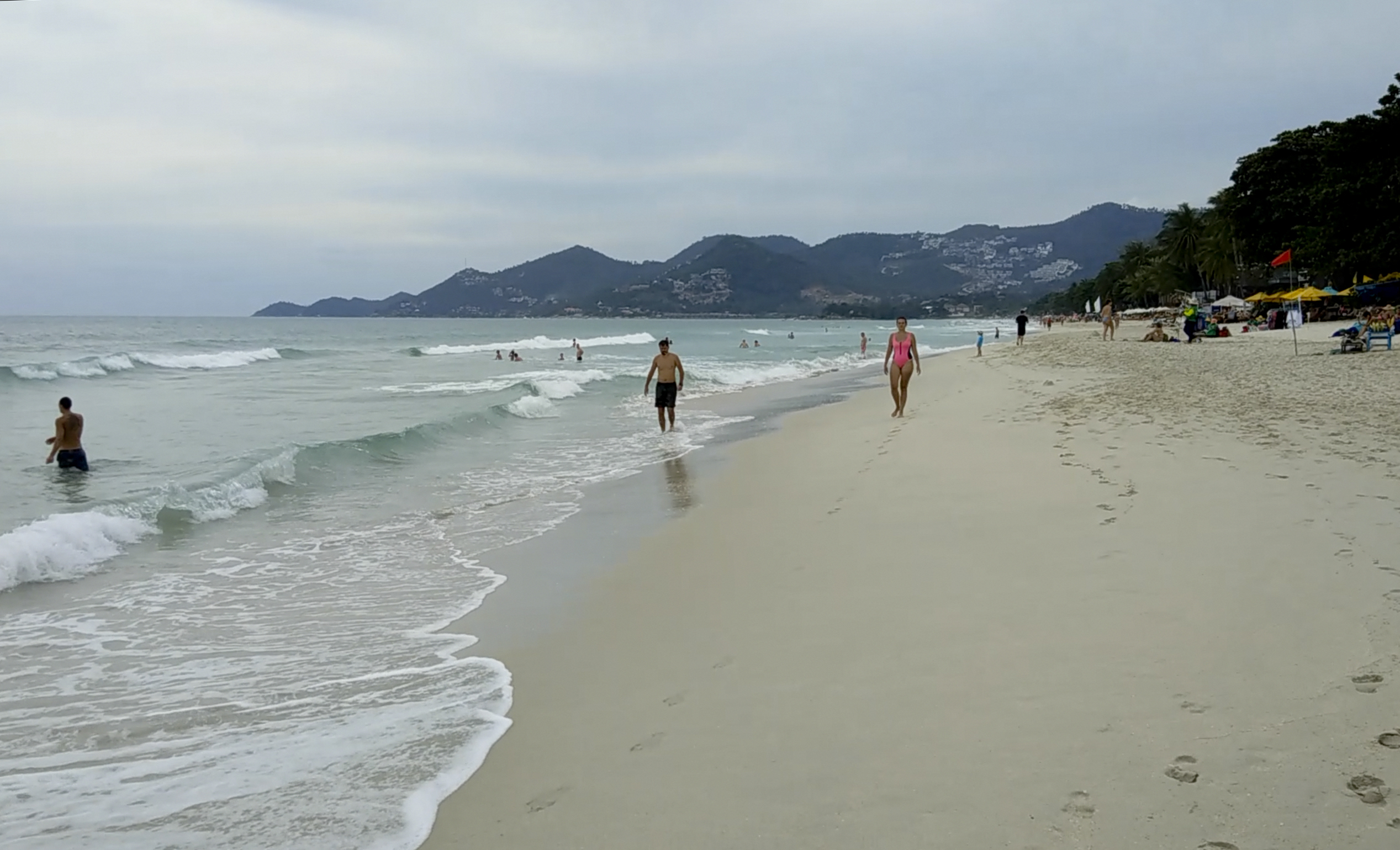 thai-beach-resorts-braced-for-tropical-storm-oxford-mail-2 Thai beach resorts braced for tropical storm - Oxford Mail