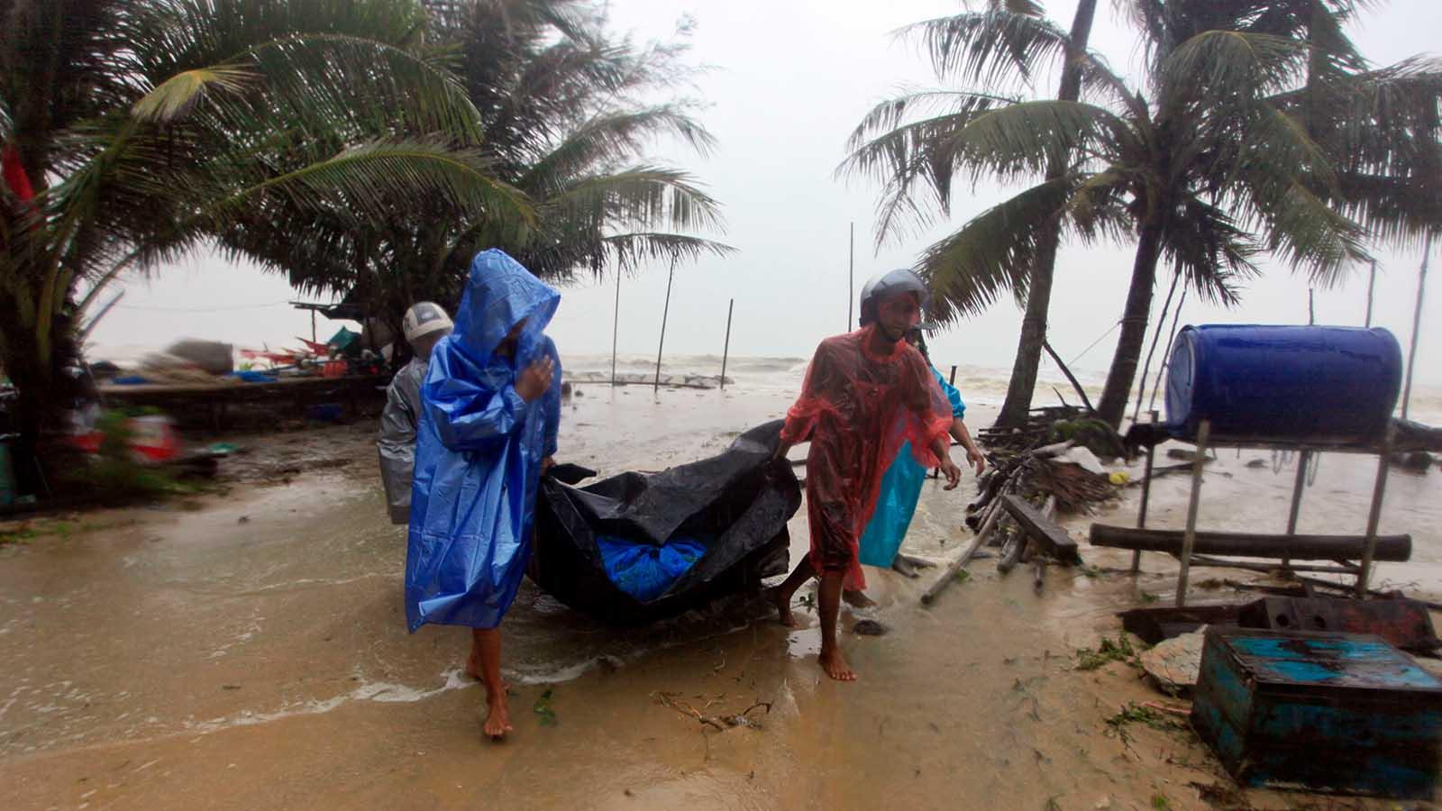 tourists-advised-to-avoid-storm-hit-thai-resorts-the-weather-channel Tourists advised to avoid storm-hit Thai resorts - The Weather Channel