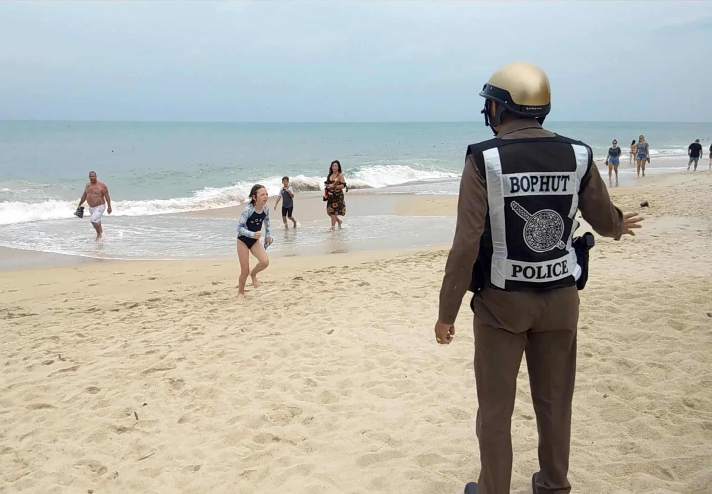 tourists-flee-thailand-as-tropical-storm-pabuk-threatens-seven-metre-waves-the-independent Tourists flee Thailand as tropical Storm Pabuk threatens seven-metre waves - The Independent