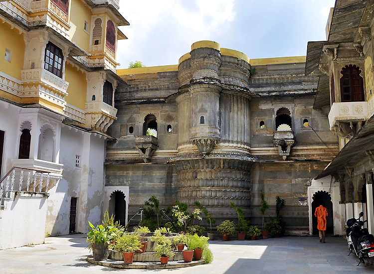 fall-in-love-with-royal-bliss-with-the-popular-things-to-do-in-udaipur-2 Fall in Love with Royal Bliss With the Popular Things to do in Udaipur
