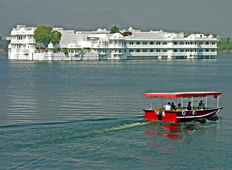 fall-in-love-with-royal-bliss-with-the-popular-things-to-do-in-udaipur Fall in Love with Royal Bliss With the Popular Things to do in Udaipur