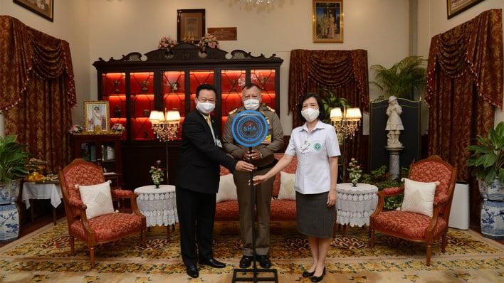 the-grand-palace-receives-amazing-thailand-sha-certificate The Grand Palace receives Amazing Thailand SHA certificate