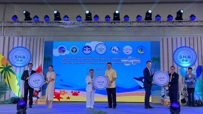 more-than-211-tourism-businesses-in-chon-buri-awarded-amazing-thailand-sha-certificate More than 211 tourism businesses in Chon Buri awarded Amazing Thailand SHA certificate