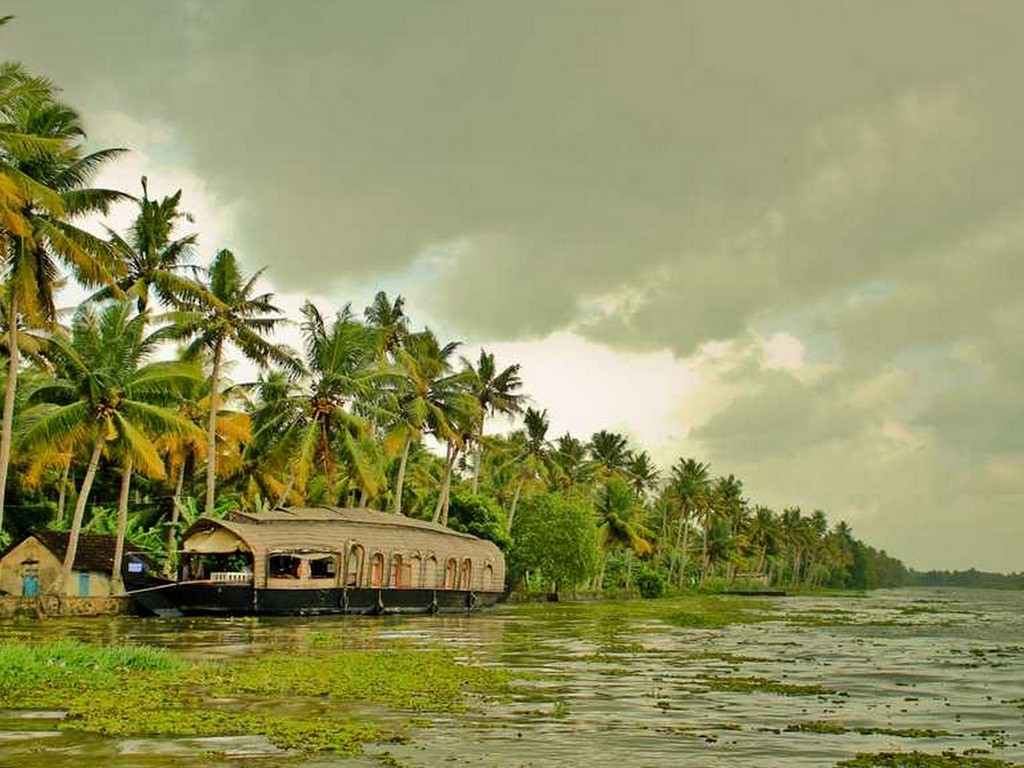 your-pocket-guide-to-the-best-backwaters-in-alleppey-4 Your Pocket Guide To The Best Backwaters In Alleppey