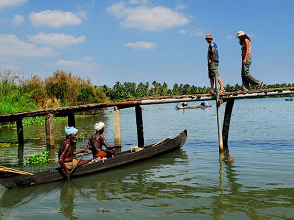 your-pocket-guide-to-the-best-backwaters-in-alleppey Your Pocket Guide To The Best Backwaters In Alleppey