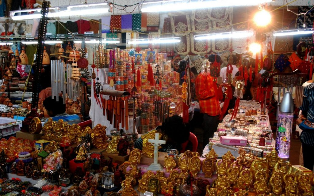 shopping-in-trivandrum-10-best-places-for-street-shopping-2 Shopping in Trivandrum-10 Best Places for Street Shopping